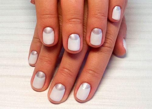 Короткие овальные ногти с лунным маникюром