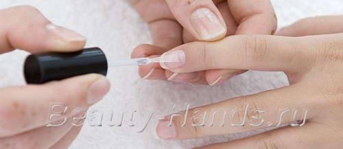 слоятся ногти что делать
