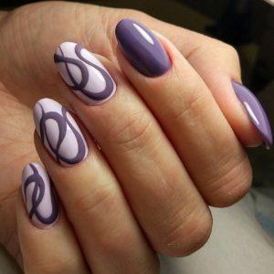 Фиолетовый маникюр с рисунками
