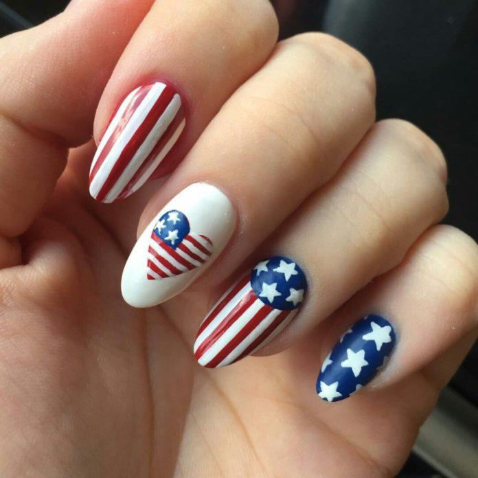 американский флаг маникюр