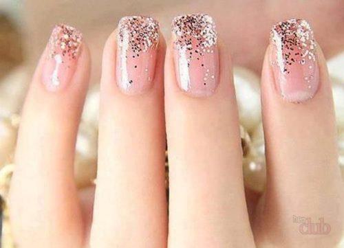 Длинные ногти с градиентом блестками