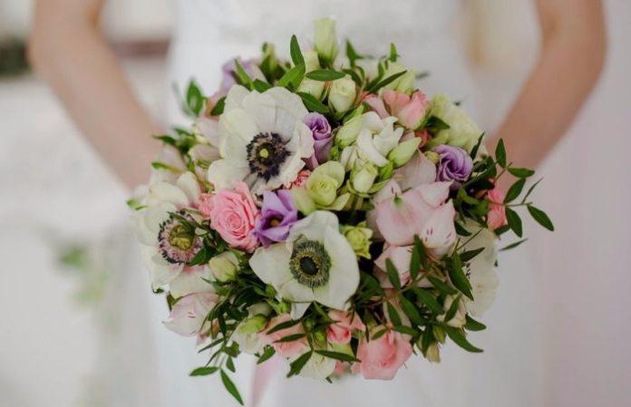 букет невесты фото из живых цветов