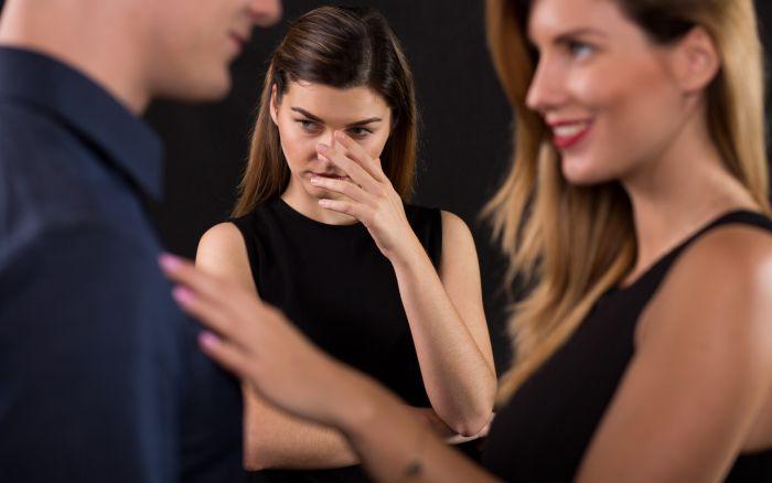 как перестать ревновать и накручивать себя