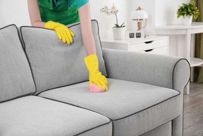 Чем почистить мягкую мебель