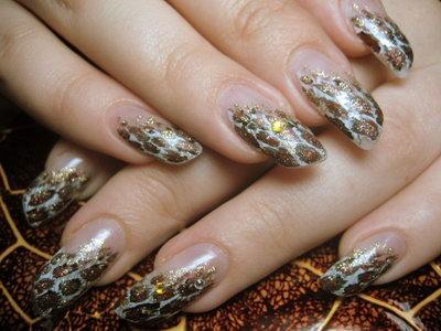 дизайн скошенных ногтей