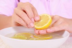 лимон ногти