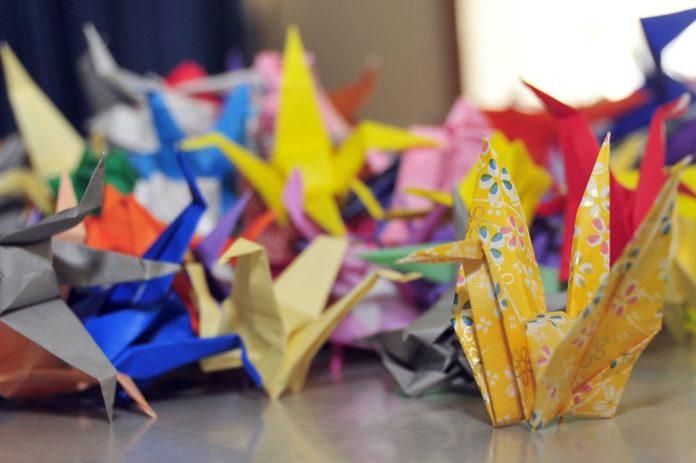 Как сделать из бумаги оригами, которые двигаются