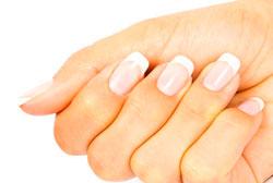 Отказ от лака для здоровья ногтей