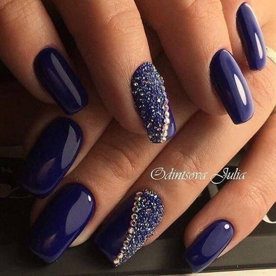 Яркий синий дизайн