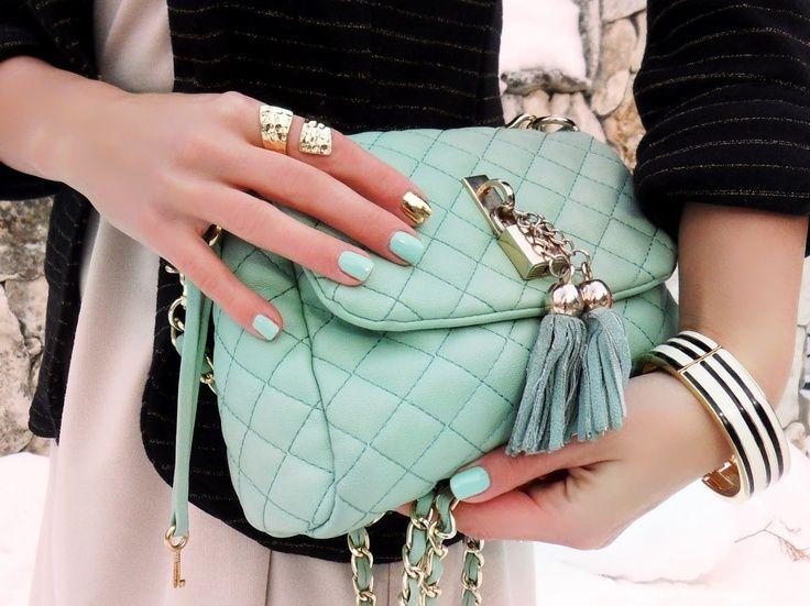 сумка и ногти