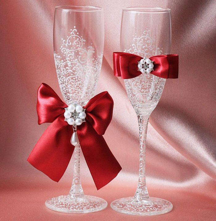 как оформить бокалы на свадьбу